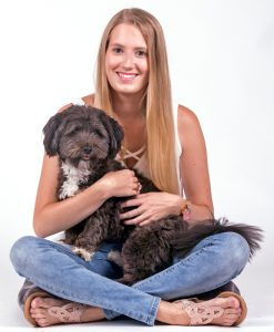 Dierenverzorgster Denise
